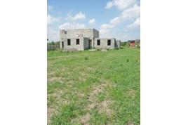 Земельный участок с недостроеным домом в с. Геронимовка