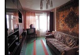 СРОЧНО продам в самом ЦЕНТРЕ 3-комн. квартиру в жилом состоянии