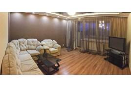 Продається 3-кімнатна квартира по вул. Новопречистенська (Сєдова)