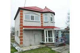 Продается отличный двухэтажный кирпичный дом общей площадью 115 м2.
