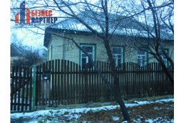 Продається  капітальний добротний  будинок в р-ні вул. Можайського