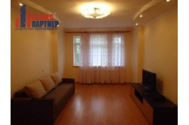Продається 2-кімнатна квартира в центрі, по вул.Святотроїцька (Кірова)