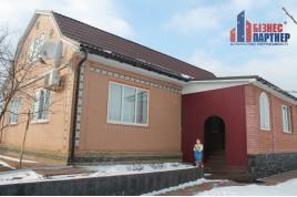 Добротний будинок в с. Білозіря