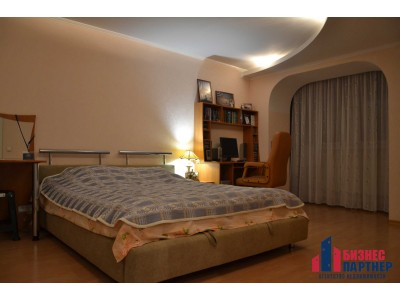 Продается 2-х ярусная  квартира с видом на р. Днепр, ул. Пушкина