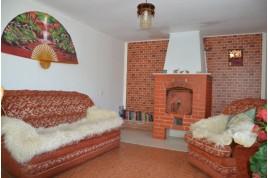 Продається будинок в Черкаська районі, с. Леськи, в 15 км. від Черкас.