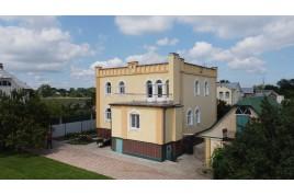 Продам  розкішний будинок в селі Хацьки.