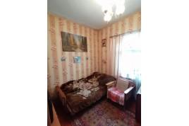 Продається в самому ценрі 2-ох кімнатна квартира на землі