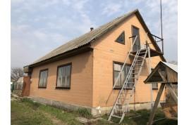 Продається будинок в центрі с. Дубіївка