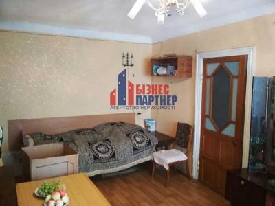 Продам 2-х комнатную квартиру в  Центре, ул. Небесной Сотни (Ленина)