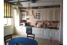 Продається 2-х кімнатна квартира по бул. Шевченка 150 з ремонтом